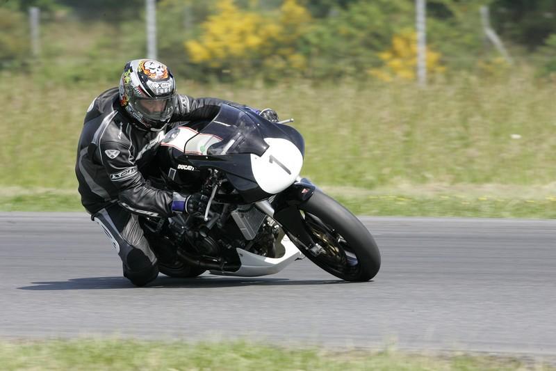 Y'a t'il des motards sur ce forum ? - Page 2 Hq0r5010
