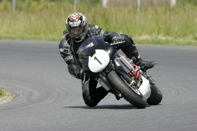 Y'a t'il des motards sur ce forum ? - Page 2 Hq0r5110