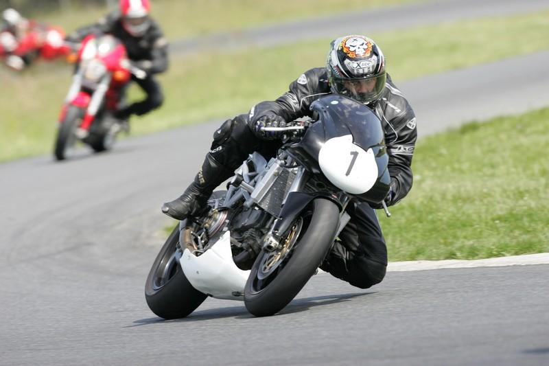 Y'a t'il des motards sur ce forum ? - Page 2 Hq0r5210