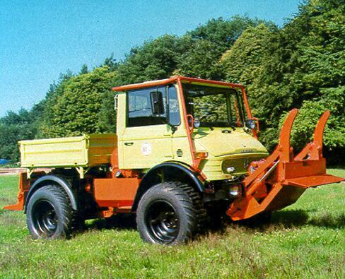 unimog mb-trac wf-trac pour utilisation forestière dans le monde - Page 5 U406we10