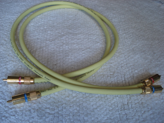 Van Den Hul 'The First Ultimate' RCA Interconnect - 0.8m (Used) Vdhfir10