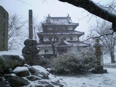 Hide and seek Temple12