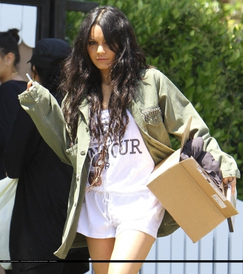 [04.23] Out in Studio City 373
