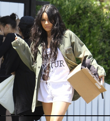 [04.23] Out in Studio City 374