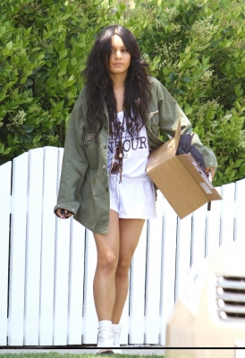 [04.23] Out in Studio City 473