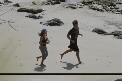 [04.15] At the beach in Malibu with Zac 659
