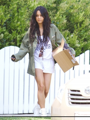[04.23] Out in Studio City 664