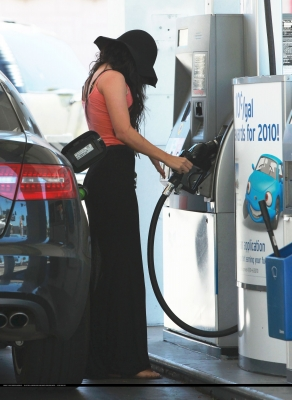 [04.30] Pumping Gas In Hollywood Normal68