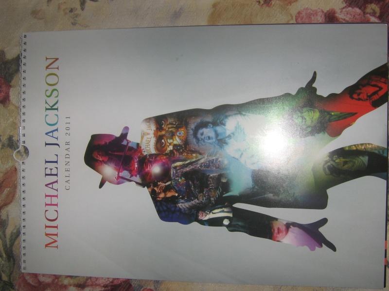 Calendario ufficiale Michael Jackson 2011 Img_3410