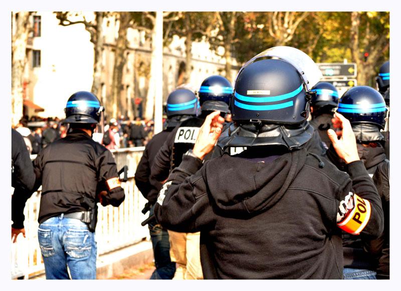 Manifestation étudiante imprévue Dsc_0413