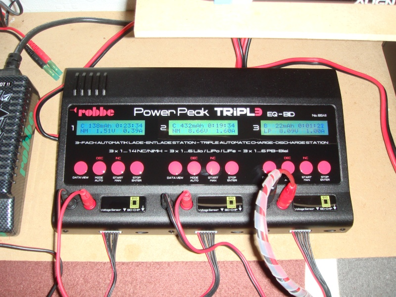 Chargeur ROBBE Tripl3 Power Peak EQ-BID Dsc01334