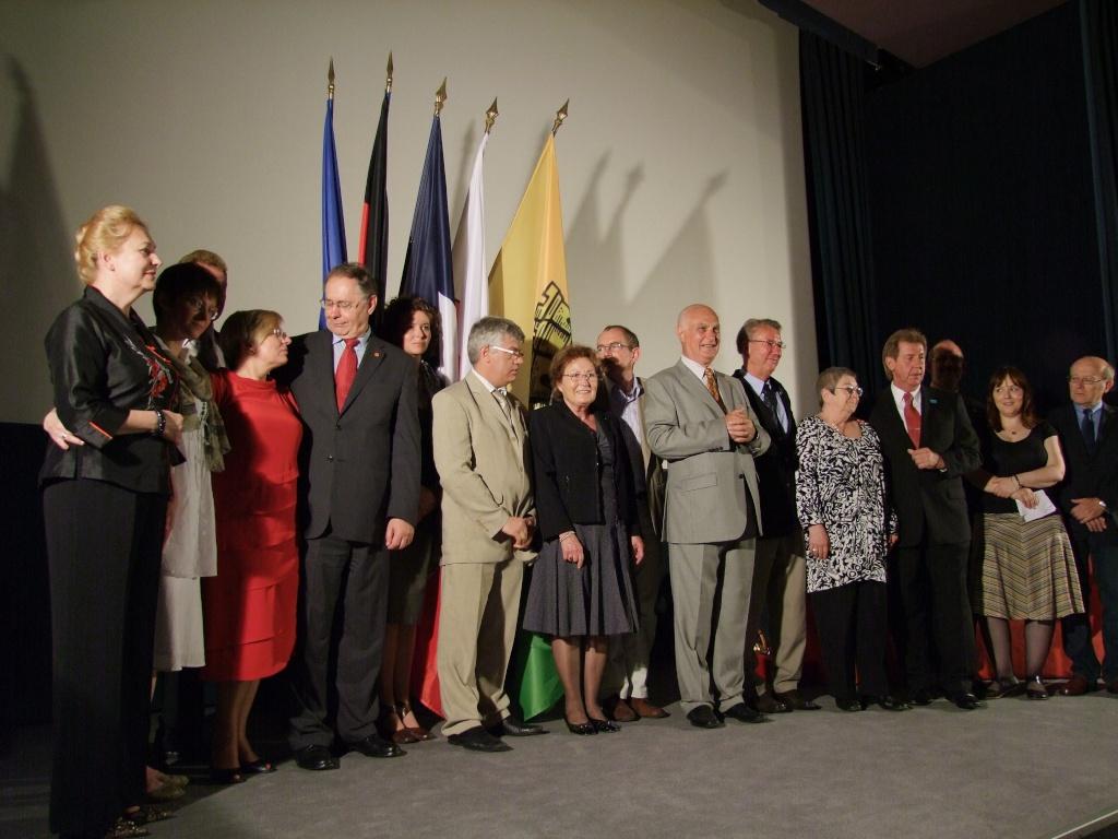 Méru - jumelée depuis 47 ans avec Borken en Allemagne - a concrétisé début juin un nouveau jumelage avec la ville d'Izabelin en Pologne Meru10