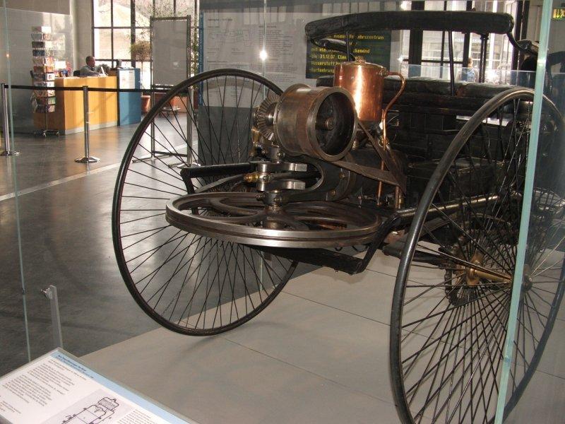 Benz Patent-Motorwagen Dscf0245