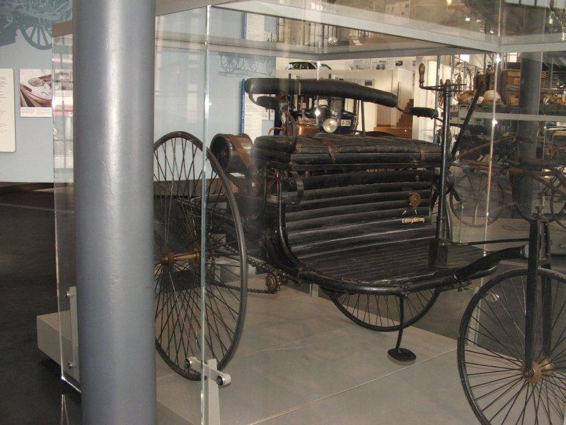 Benz Patent-Motorwagen Dscf0246