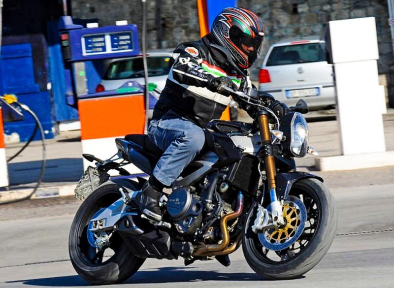 blouson moto cuir Benell13