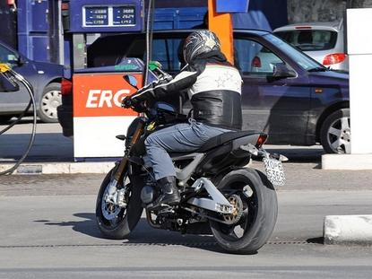 blouson moto cuir Benell17