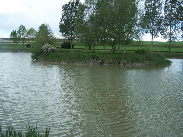 Plean d'eau de SAUSSAIS et ST GERVAIS LES 3 CLOCHERS 100_5611