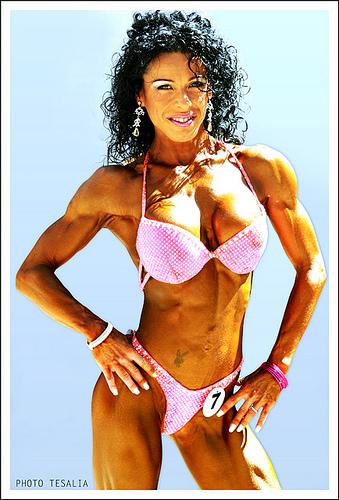 Toñi Galán, actual campeona de España en modalidad Bodyfitness -163 cm; y la atleta Mónica Arias moderadoras os responderán a las preguntas Toai_g10