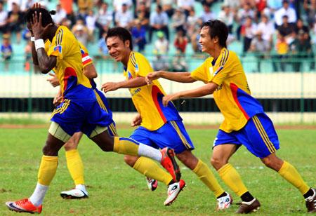 Đá bù Vòng 2 V.League 2010: TĐCS Đồng Tháp hạ gục SHB Đà Nẵng 12742811