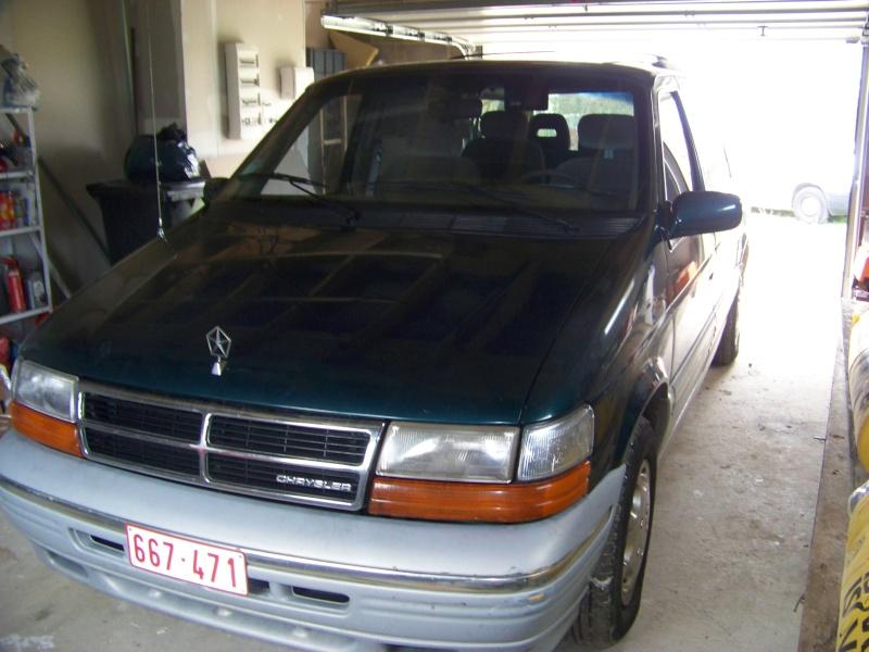Plymouth 3.3 v6 100_8615