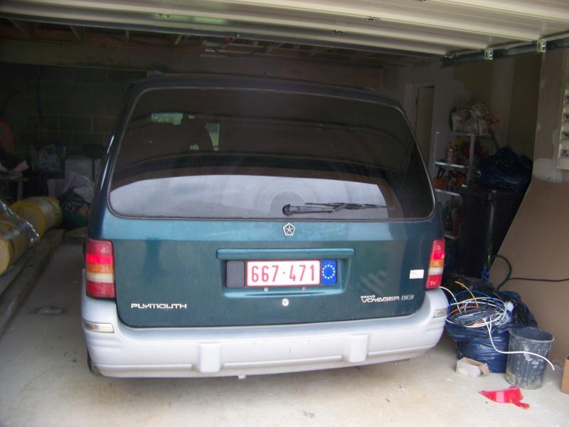 Plymouth 3.3 v6 100_8621