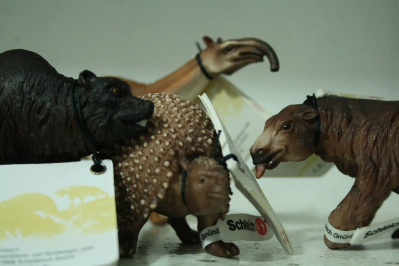 My Recent Schleich Retired Figures Img_0110
