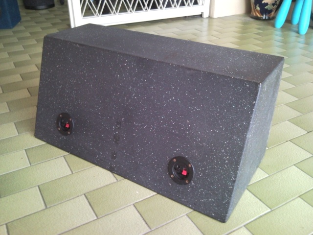 """10"""" Subwoofer Box and Subs (Used) Snc00815"""