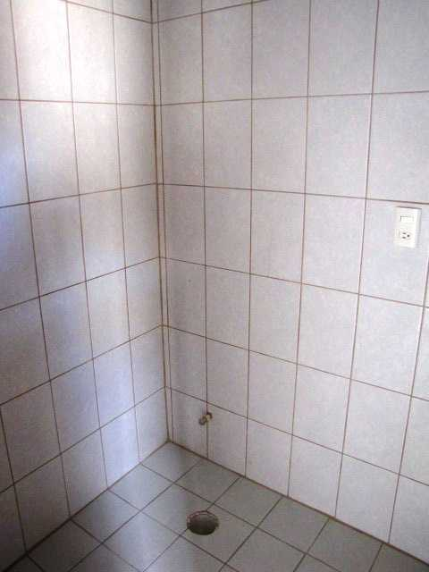 Refreshing your tile grout Bath211