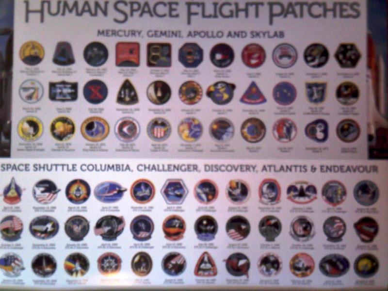 Recherche calendrier 2011 sur les engins spatiaux ou les avions. 00213