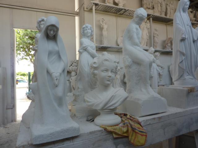 Marchands de marbre en région parisienne P1000115