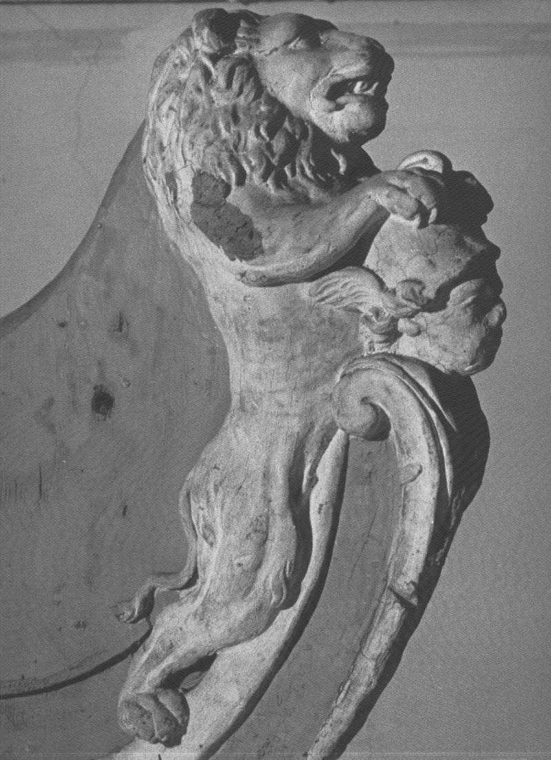 Figures de proue , les cires teintées de Brest Lion11