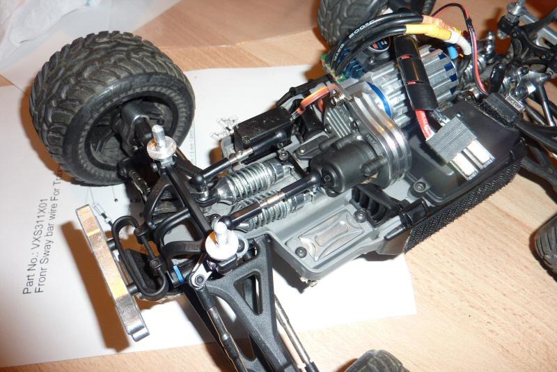 [New]Barre Anti-Roulis ERevo/Slash/Rally 1/16 par Hot Racing - Page 2 P1030210
