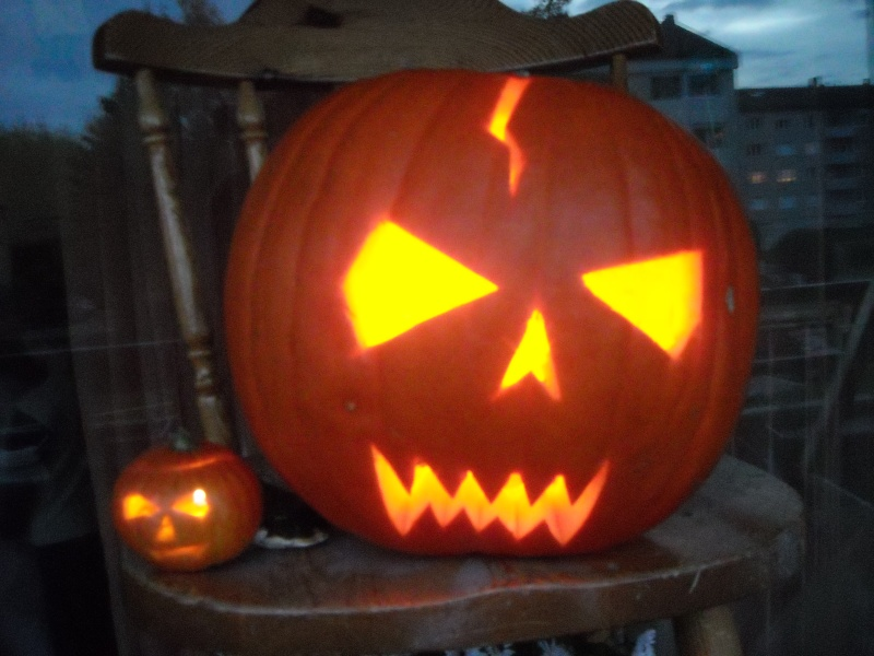 special Halloween Anniv_11
