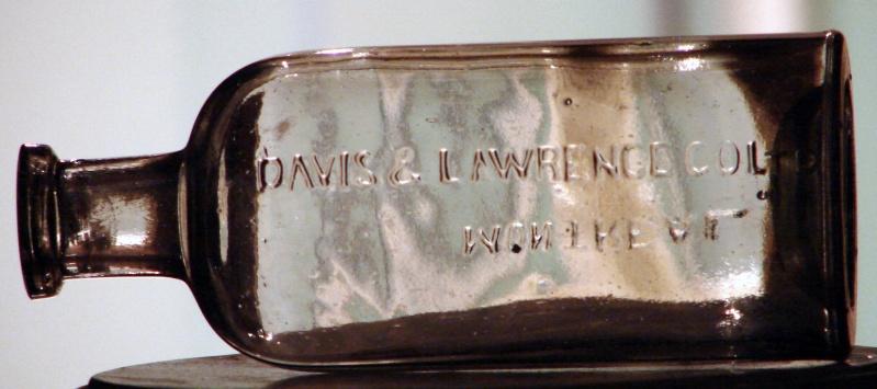 Bouteille générique Davis & Lawrence de Montréal Davis210