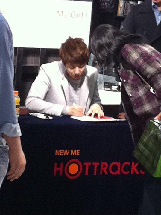 "[photos] Hyung Jun's ""My Girl"" Fansign Event @ Hottracks 12.03.2011 Fm11"