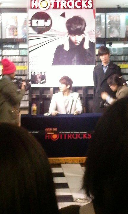 "[photos] Hyung Jun's ""My Girl"" Fansign Event @ Hottracks 12.03.2011 Fm311"