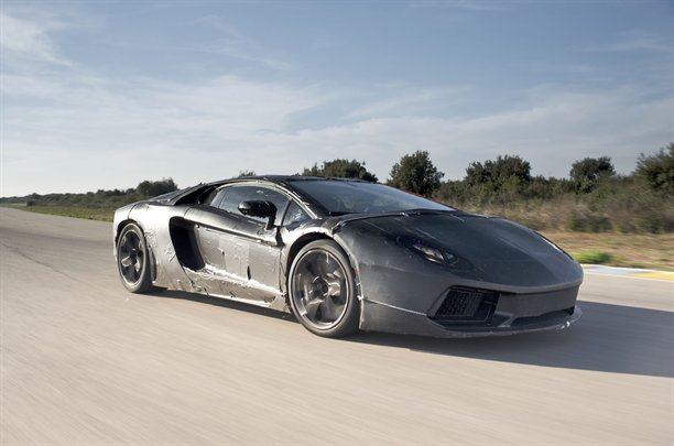 2011 - [Lamborghini] Aventador LP700-4 - Page 6 Lambor10