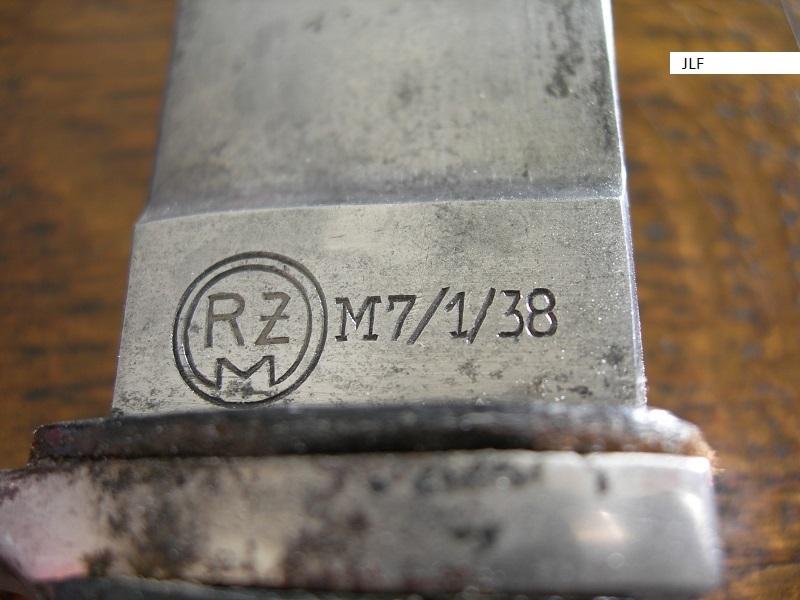 Couteau HJ avec devise avis....  Dscn2810