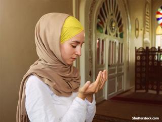 Les femmes catholiques sont-elles obligées de porter un voile partout? - Page 2 People10
