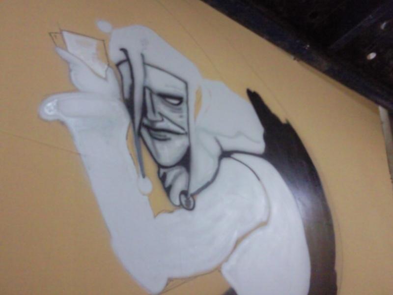 comenzando a pintar el club de poker.. Foto0012