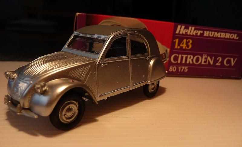 Maquette Heller au 1/43 éme-  2CV type A 1947 P1020911