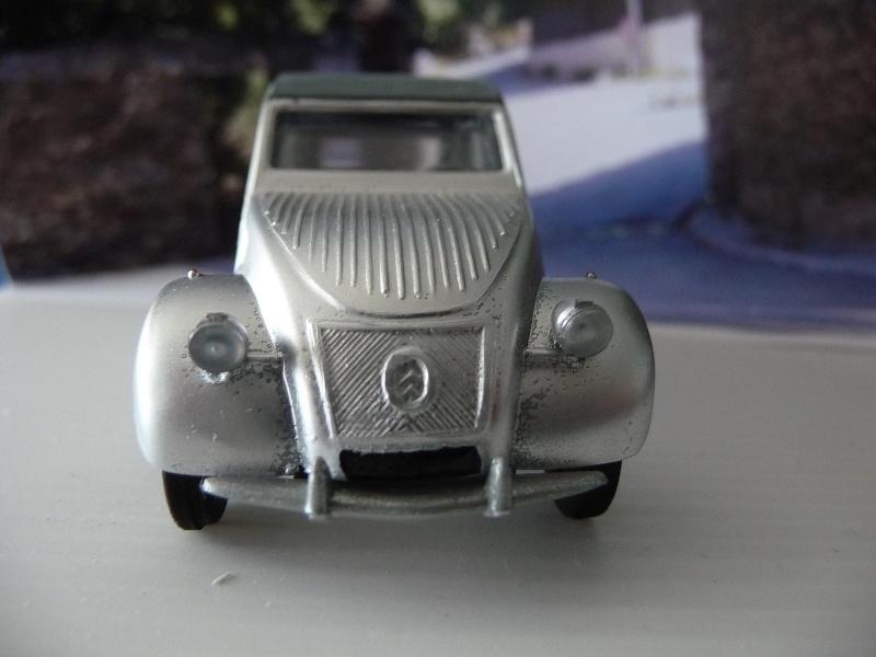 Maquette Heller au 1/43 éme-  2CV type A 1947 P1020912