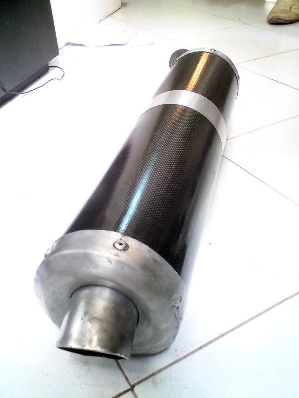[vend] Pot d'echappement en carbone Dsc01110