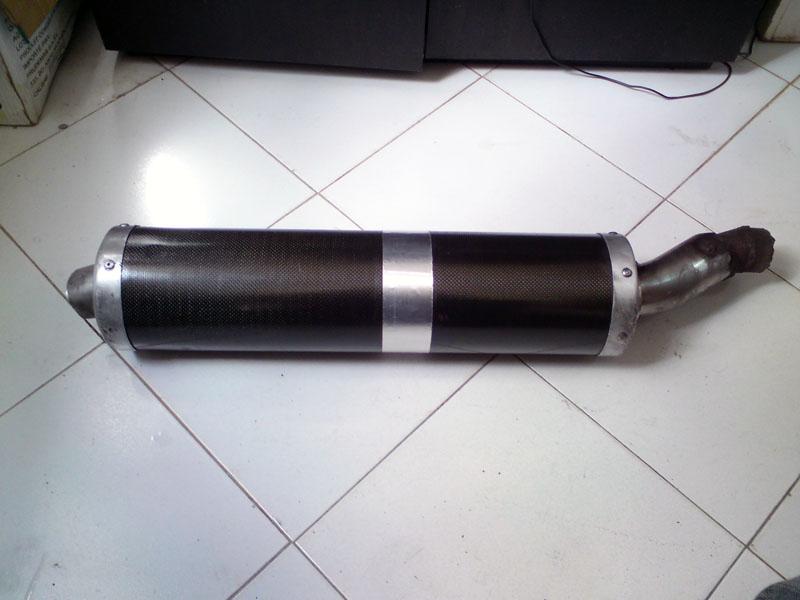 [vend] Pot d'echappement en carbone Dsc01111