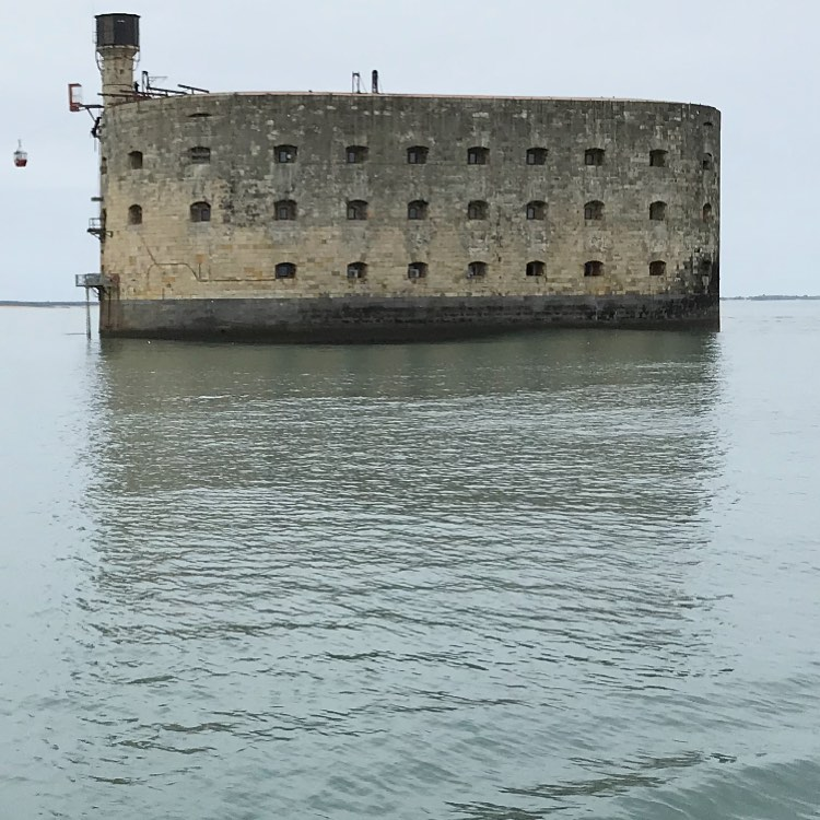 Photos des tournages Fort Boyard 2021 (production + candidats) - Page 5 18373510