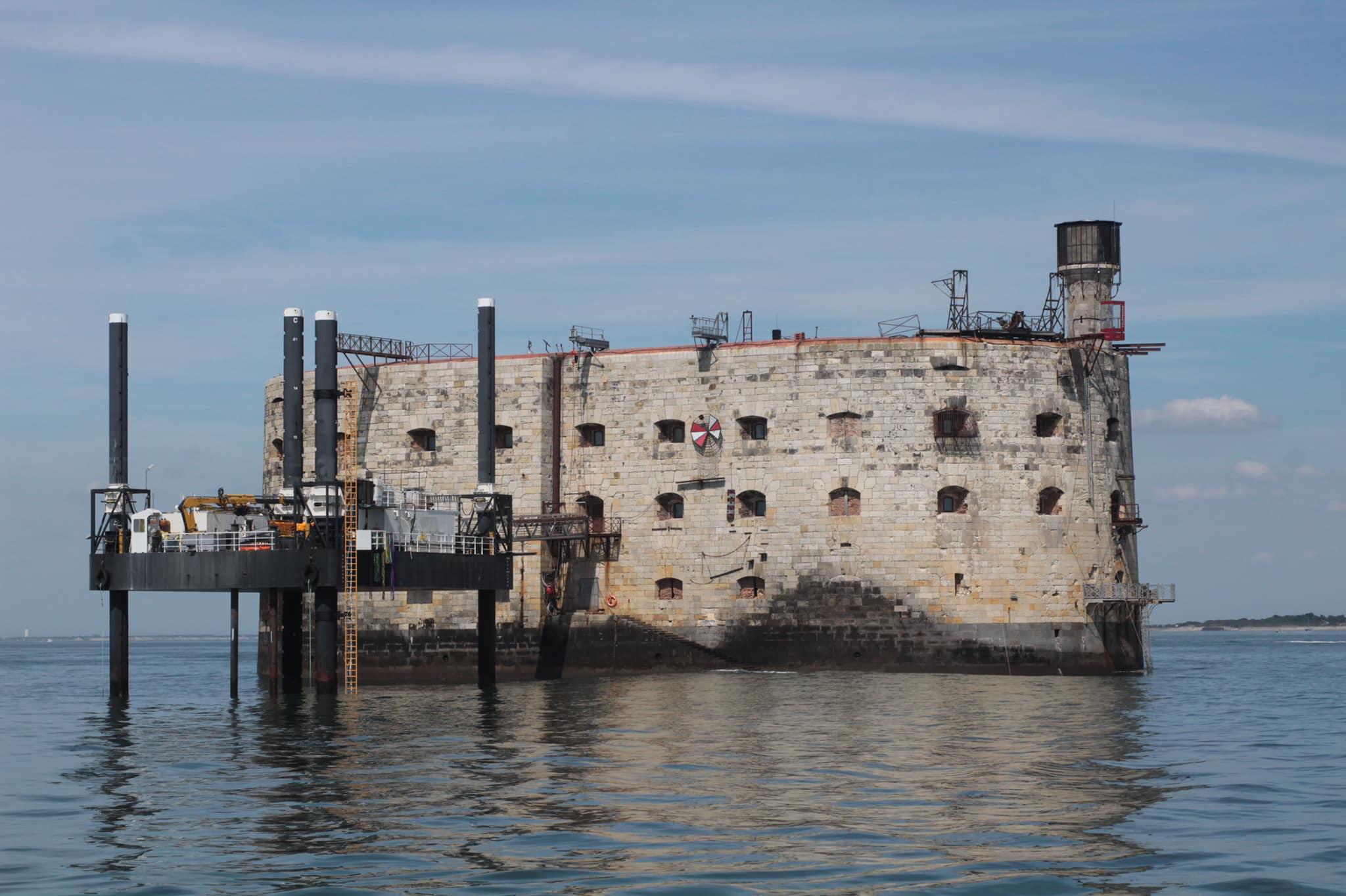 Photos des tournages Fort Boyard 2021 (production + candidats) - Page 6 18412710