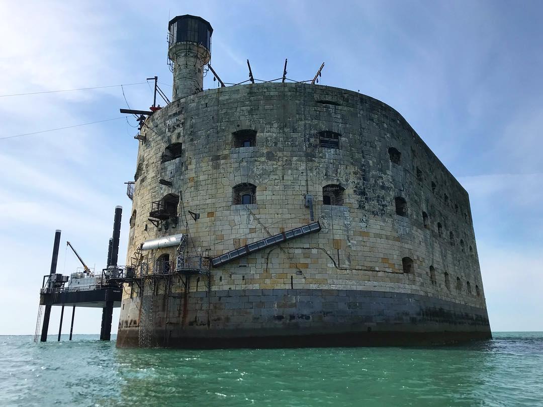 Photos divers de Fort Boyard 2019 (internautes + hors production) - Page 8 57472010