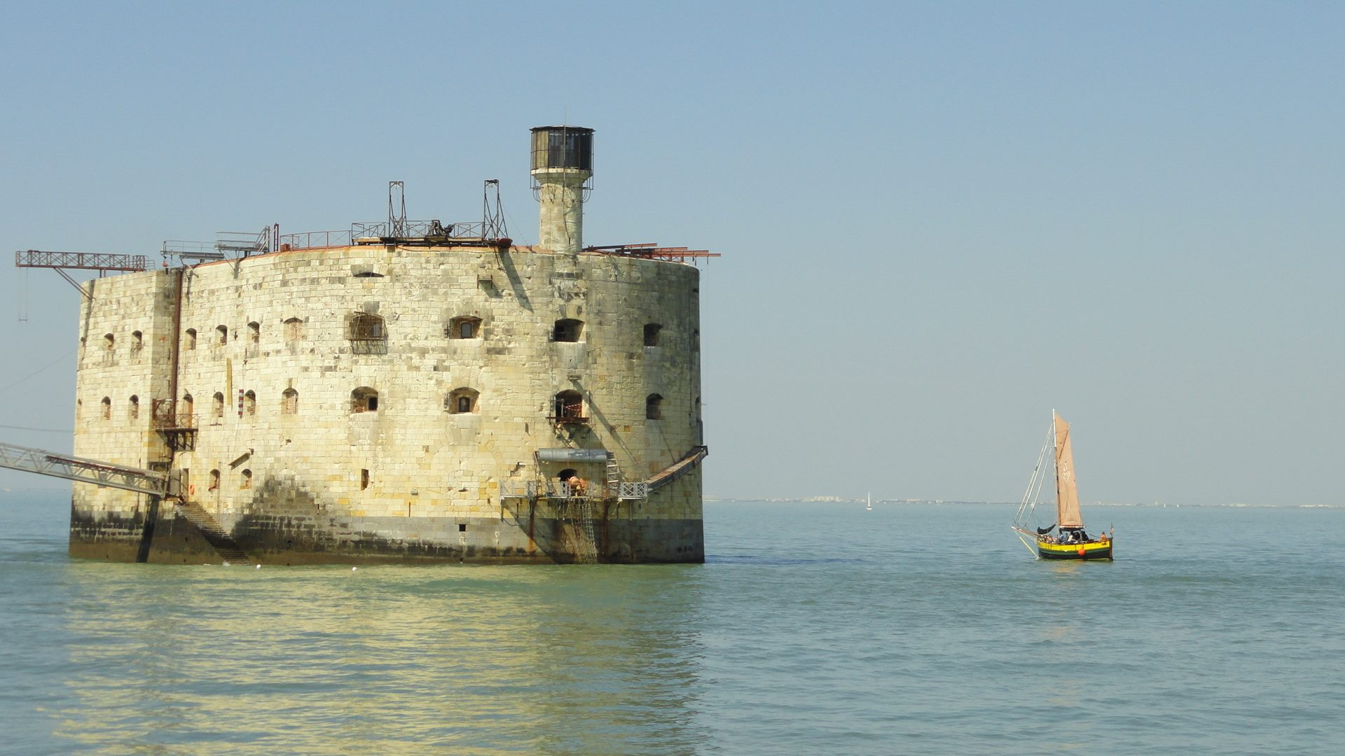 Photos divers de Fort Boyard 2019 (internautes + hors production) - Page 6 57538010