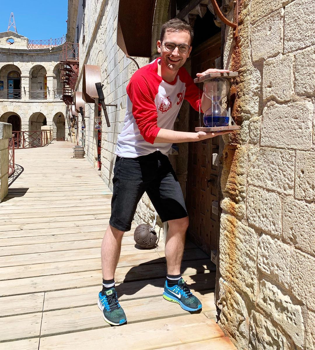 Photos des tournages de Fort Boyard 2019 (production + candidats) - Page 25 60411310