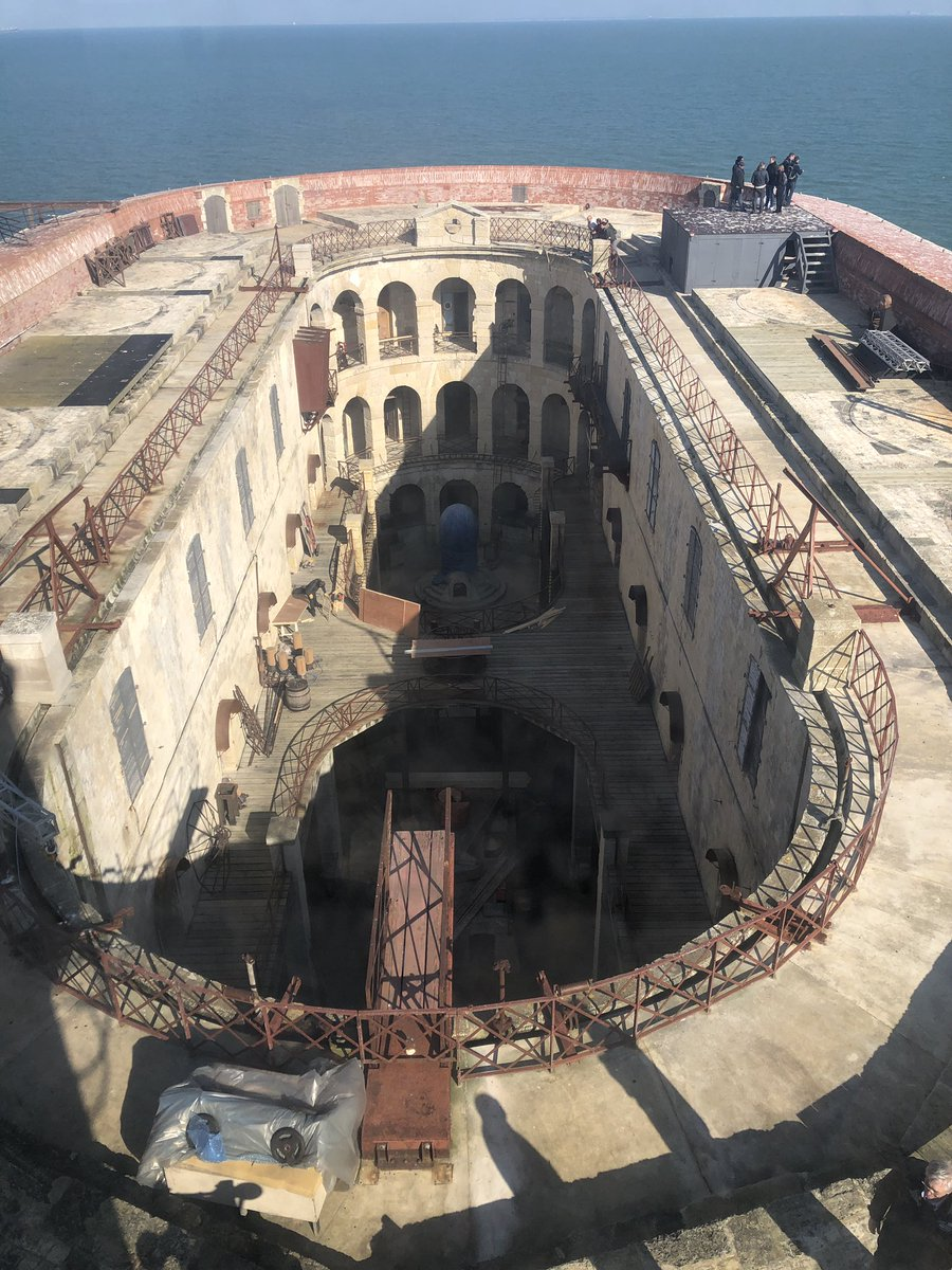 Photos des tournages de Fort Boyard 2019 (production + candidats) D2qn5z11
